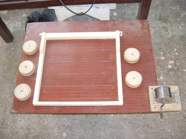 Самодельные приспособления для натягивания проволоки на рамки фото 294-760