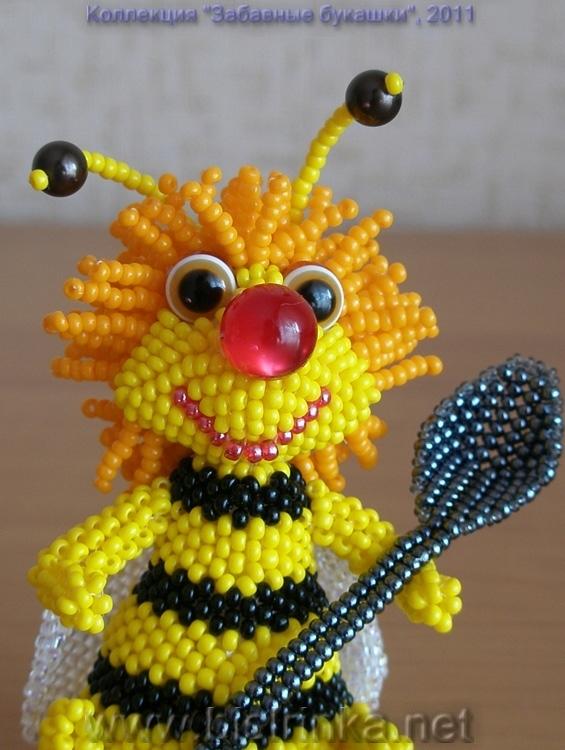 Цитата сообщения Natussja Прочитать целикомВ свой цитатник или сообщество.  Пчелка из бисера Делается такая пчелка...